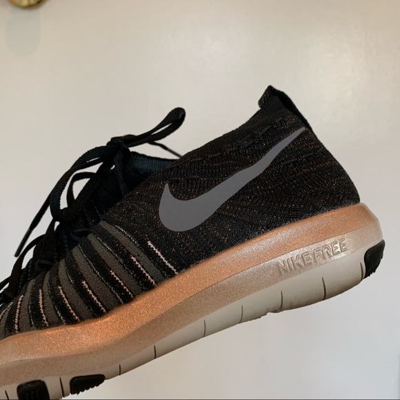 outlet store 8a8d5 9e01a Nike Free Run Flyknit Black Gold Shimmer! M 5c71e691c9bf506b2c76dc06
